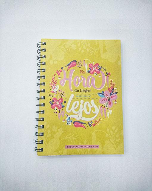 cuaderno con frase barato